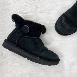 UGG Black Minu Bailey Button Ankle Boots Shoes